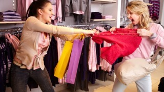shopping-violence-fighting-black-friday-320x213
