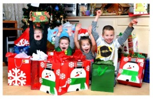 kids-christmas-morning-presents-excitement-family-300x195